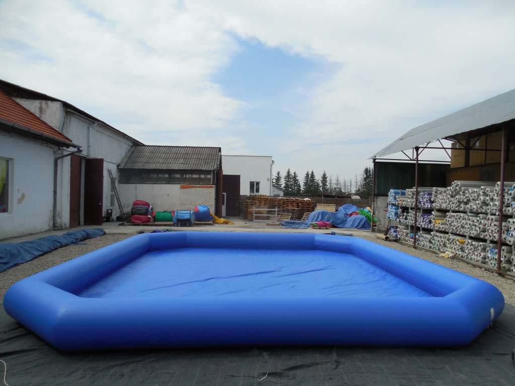 Inflated pool