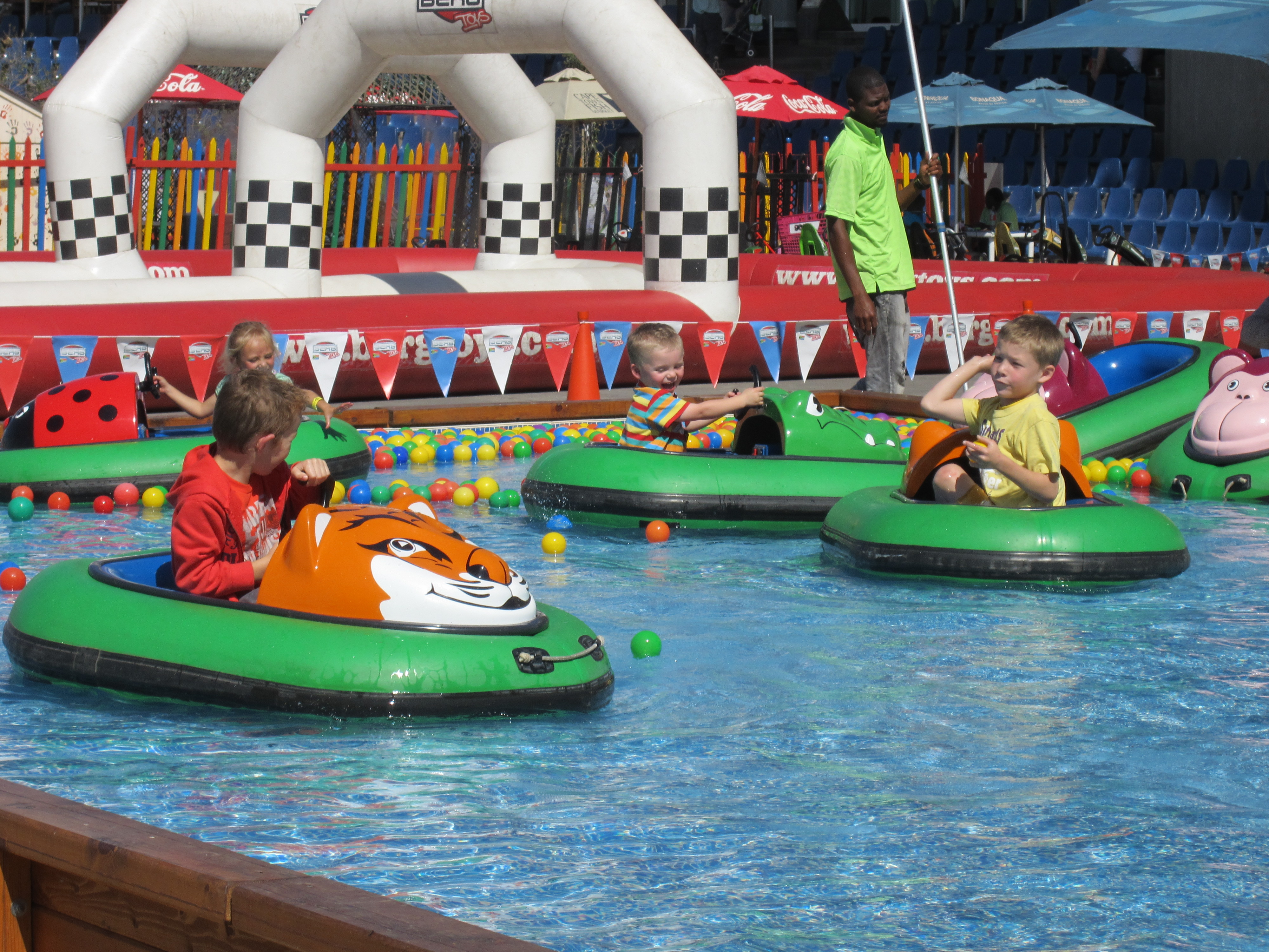 Kids in Barcachoc Bumper boats 3